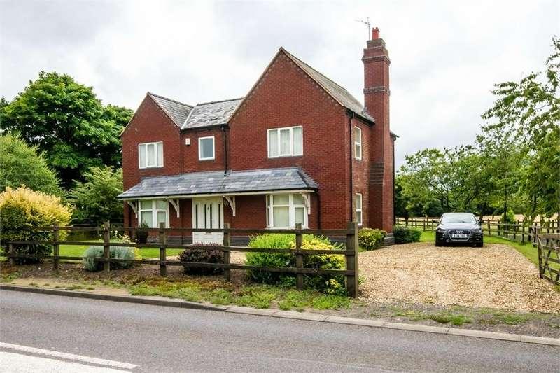 4 Bedrooms Detached House for sale in Bursnips Road, Essington, WOLVERHAMPTON, Staffordshire