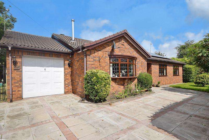 3 Bedrooms Detached Bungalow for sale in Cronton Lane, Widnes