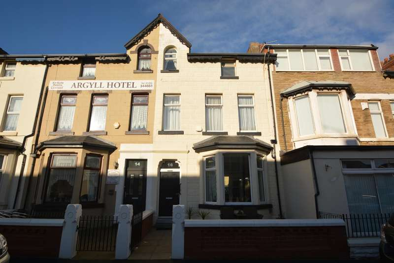 6 Bedrooms Terraced House for sale in Crystal Road, Blackpool, FY1 6BS
