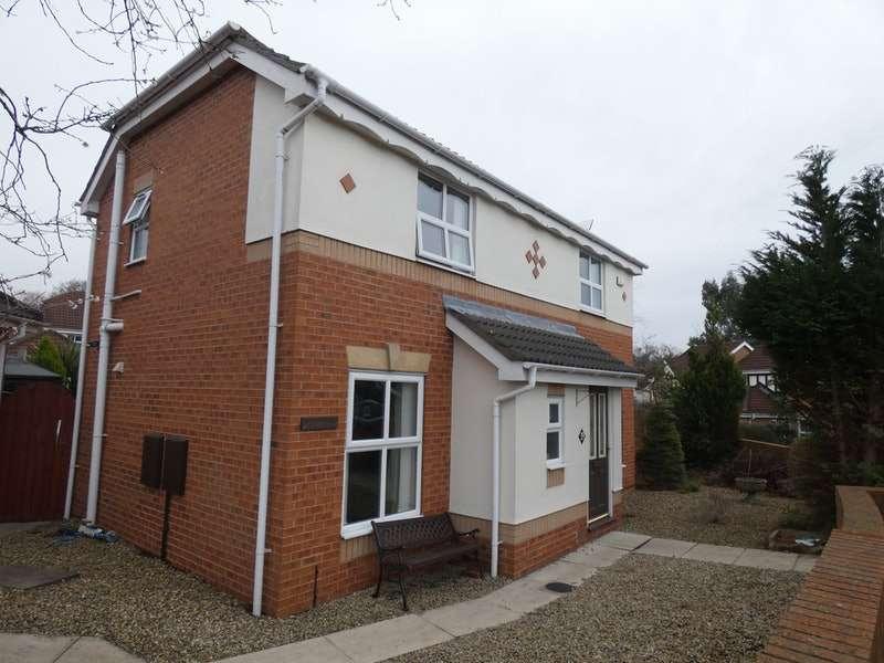 3 Bedrooms Detached House for sale in Woodlea Gardens, Leeds, West Yorkshire, LS6