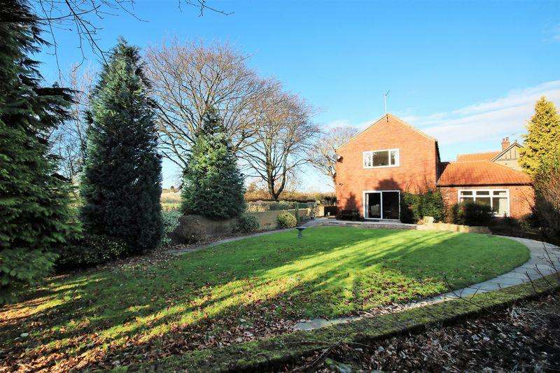 4 Bedrooms Detached House for sale in Westgate, Yarm TS15 9QT