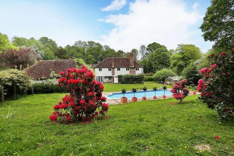 4 Bedrooms Detached House for sale in Slip Mill Lane, Hawkhurst, Kent, TN18 5AB