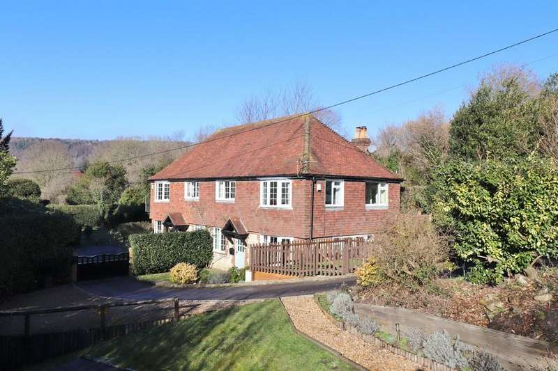 3 Bedrooms Semi Detached House for sale in Stroud, Petersfield