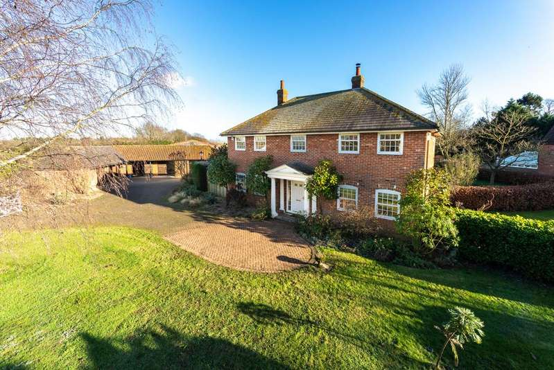 5 Bedrooms Detached House for sale in Leavenheath, Colchester