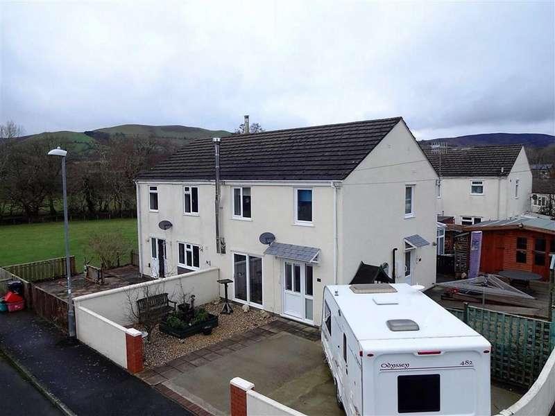3 Bedrooms Semi Detached House for sale in 114, Glanclegyr, Llanbrynmair, Powys, SY19