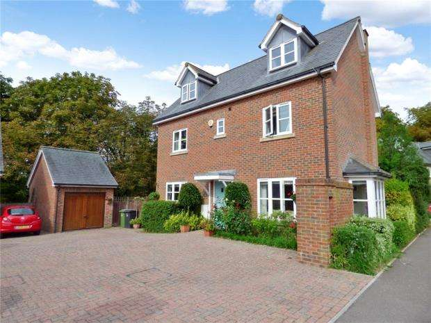 5 Bedrooms Detached House for sale in Knowle Avenue, Knowle, Fareham
