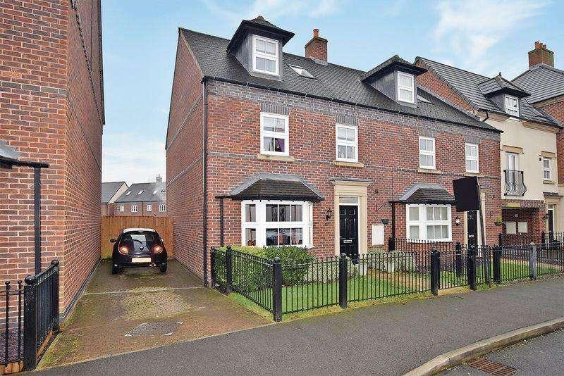 4 Bedrooms Semi Detached House for sale in Partington Square, Runcorn