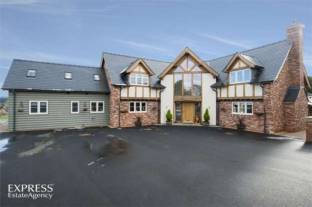 3 Bedrooms Detached House for sale in Llanyre, Llandrindod Wells, Powys