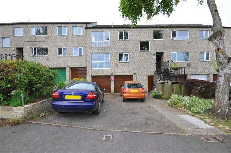 2 Bedrooms Apartment Flat for sale in Oak Drive, Rodborough