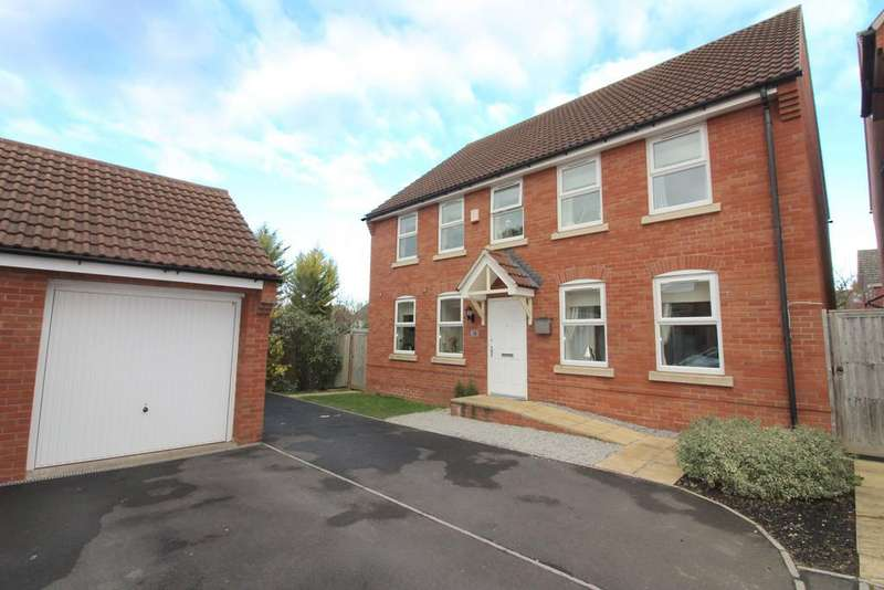 4 Bedrooms Detached House for sale in Fowen Close, Street