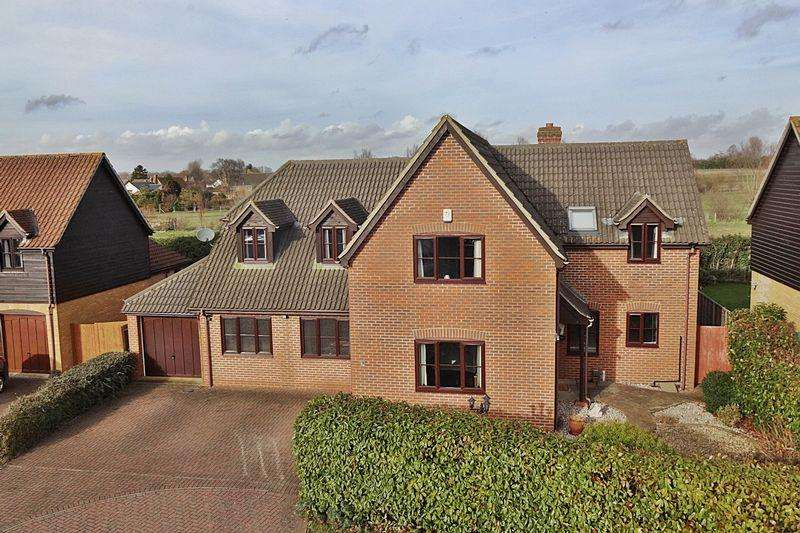 5 Bedrooms Detached House for sale in Whiteman Close, Langford