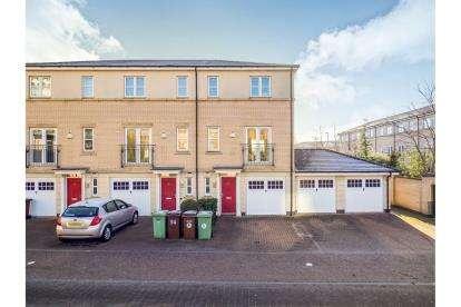 3 Bedrooms Semi Detached House for sale in The Quays, Castle Quay Close, Nottingham, Nottinghamshire