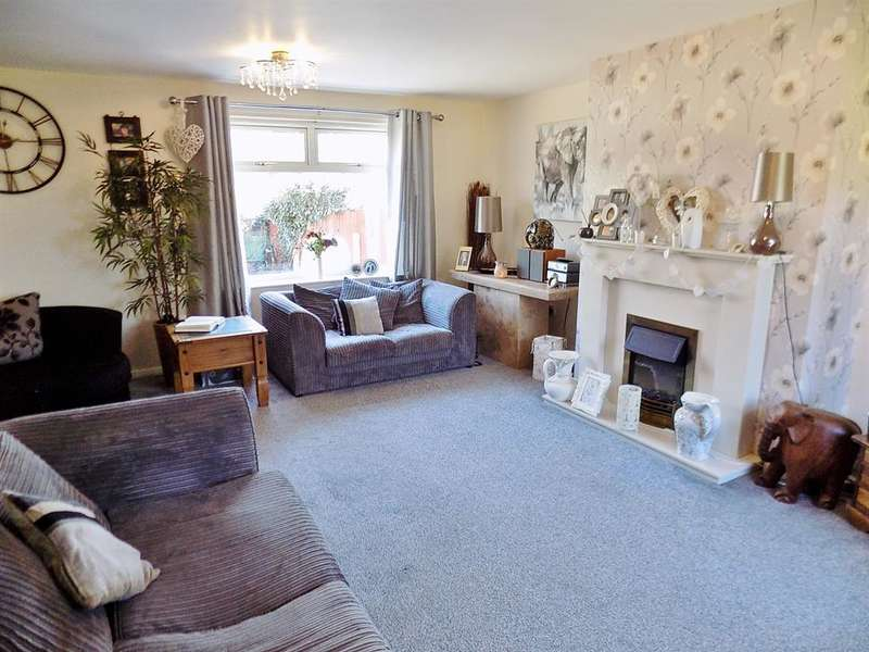 3 Bedrooms Terraced House for sale in Holyrood Close, Thornaby, Stockton-on-Tees, TS17 7JX