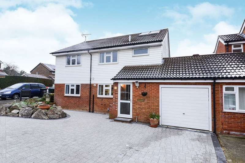4 Bedrooms Detached House for sale in Oak Green, Abbots Langley, WD5