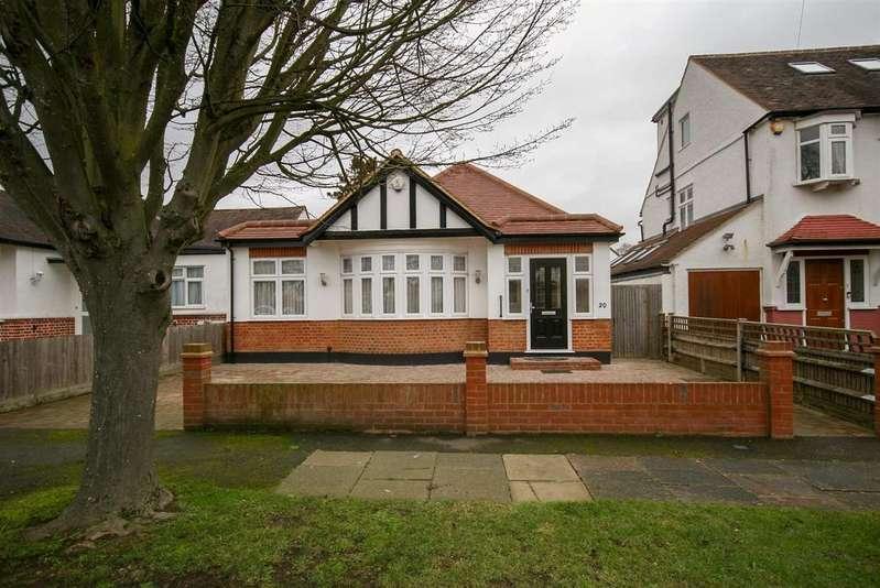 2 Bedrooms Bungalow for sale in Elgar Close, Ickenham, Uxbridge