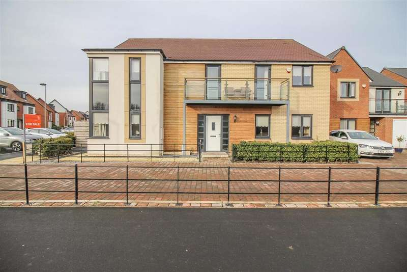 4 Bedrooms Detached House for sale in Abberwick Walk, Newcastle Upon Tyne