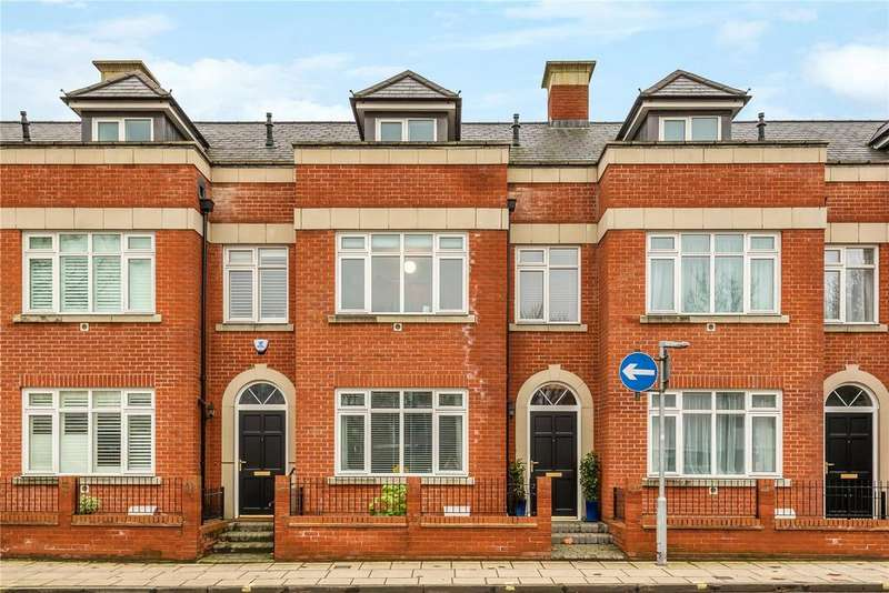 4 Bedrooms Terraced House for sale in North Walls, Winchester, Hampshire, SO23