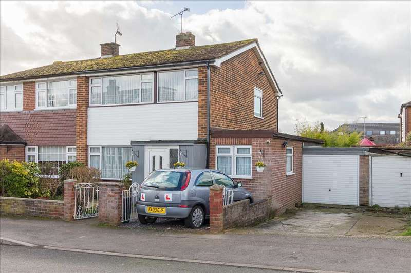 3 Bedrooms Semi Detached House for sale in Bosanquet Road, Hoddesdon