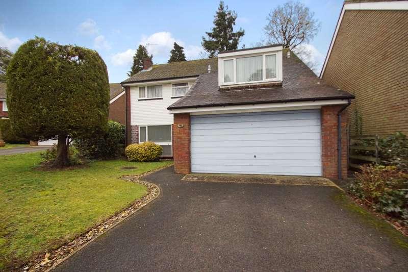 4 Bedrooms Detached House for sale in Fulmar Crescent, Boxmoor, Hemel Hempstead