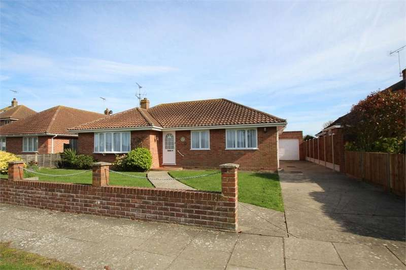 3 Bedrooms Detached Bungalow for sale in Heronsgate, FRINTON-ON-SEA