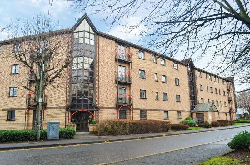 1 Bedroom Flat for sale in Riverview Drive, Flat 2/2, The Waterfront, Glasgow , G5 8EU
