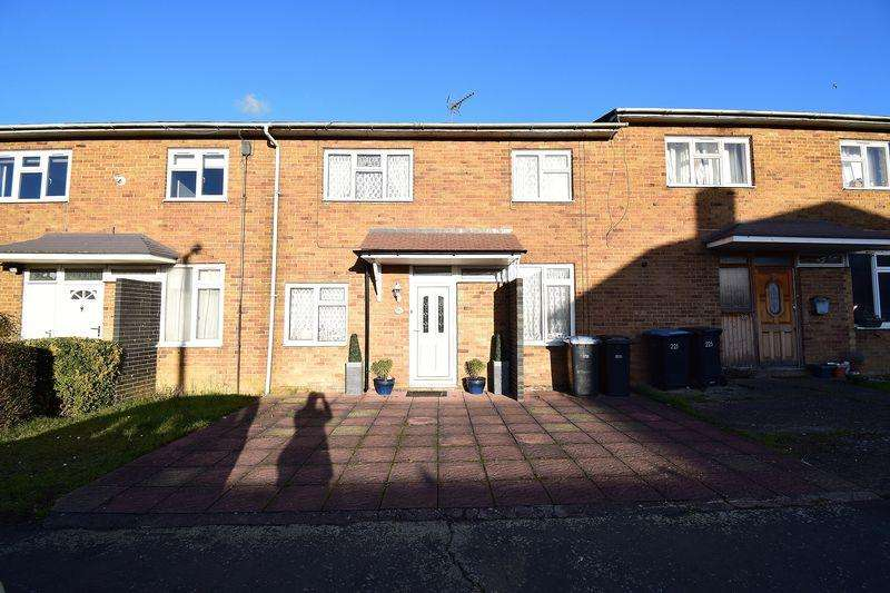 3 Bedrooms Terraced House for sale in Little Brays, Harlow