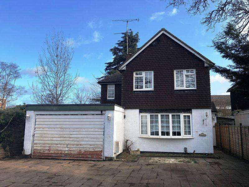 3 Bedrooms Detached House for sale in Sunnycroft, Harlow, Essex