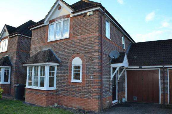 3 Bedrooms Property for sale in Mallard Way, Aldermaston, Reading