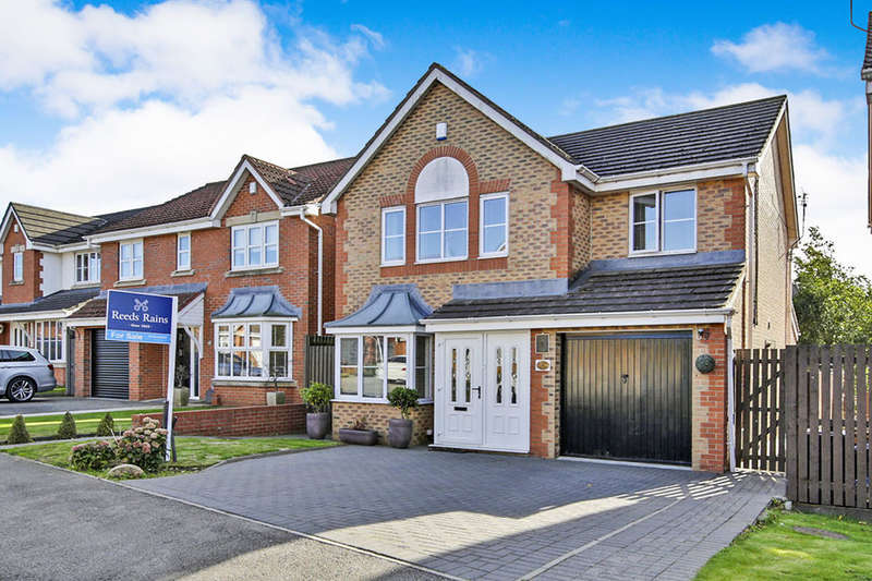 4 Bedrooms Detached House for sale in Dean Park, Ferryhill, DL17
