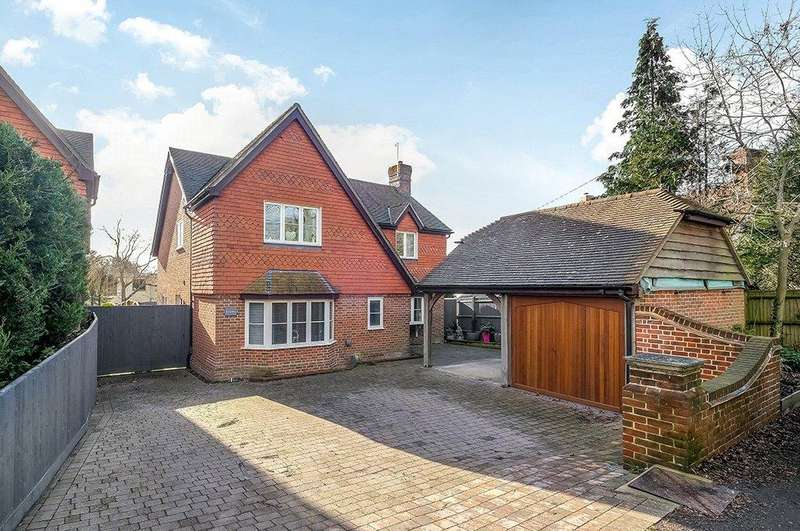 5 Bedrooms Detached House for sale in Winchester Road, Ampfield, Romsey, Hampshire, SO51