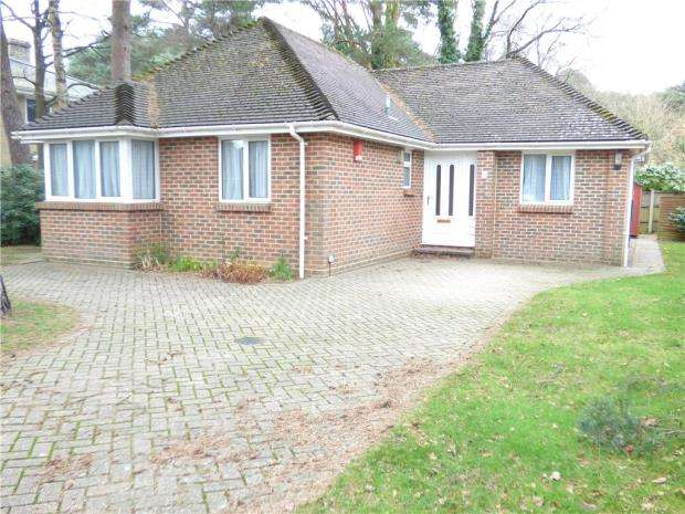 3 Bedrooms Detached Bungalow for sale in Merriefield Avenue, Broadstone, Poole