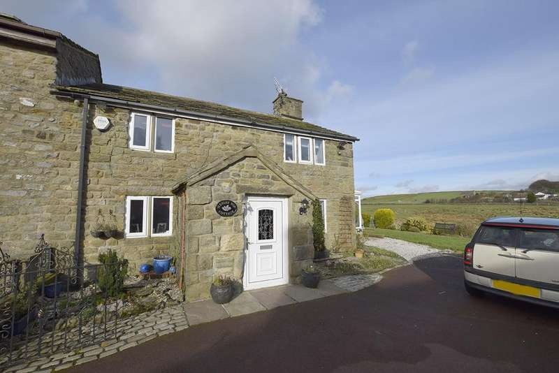 2 Bedrooms Cottage House for sale in Stump Hall Road, Highm BB12 9BU