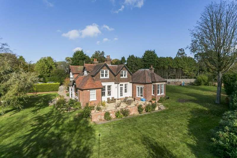 5 Bedrooms Detached House for sale in Firwood Rise, Heathfield