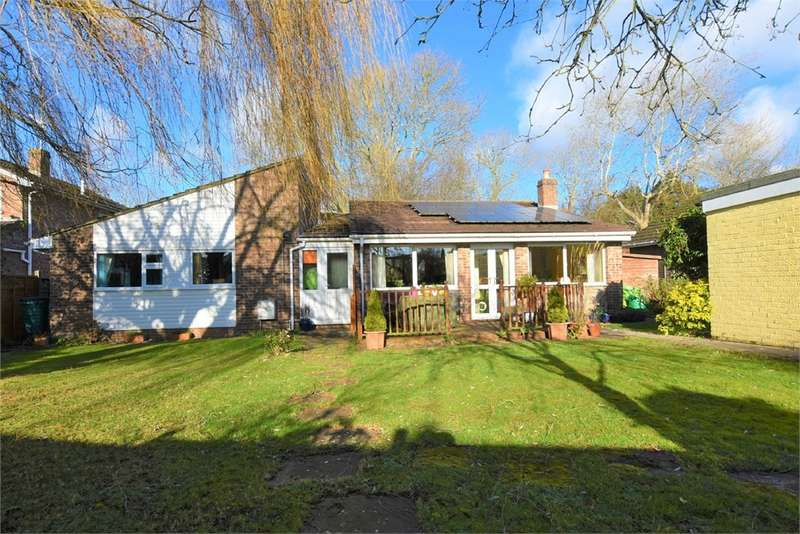 4 Bedrooms Detached Bungalow for sale in Kingston Way, Nailsea, Bristol, North Somerset