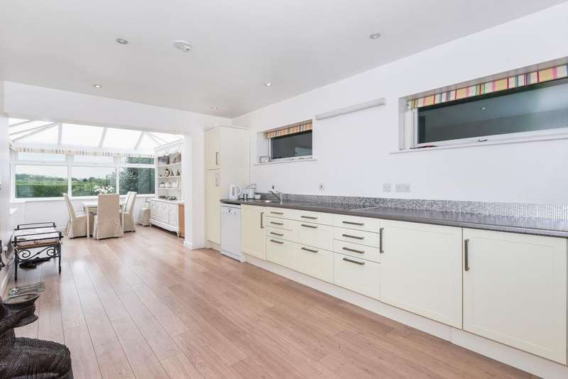 3 Bedrooms Detached House for sale in Marlow Bottom, Marlow, SL7