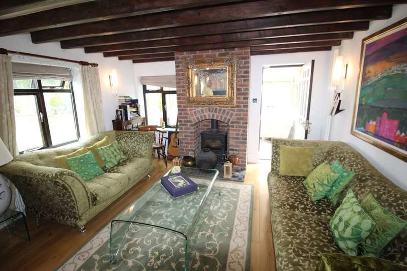 4 Bedrooms Detached House for sale in Cornley Road, Misterton, Doncaster, DN10