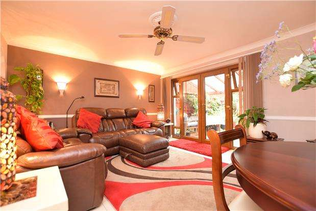 3 Bedrooms Terraced House for sale in Quickthorn Close, BRISTOL, BS14 0RQ