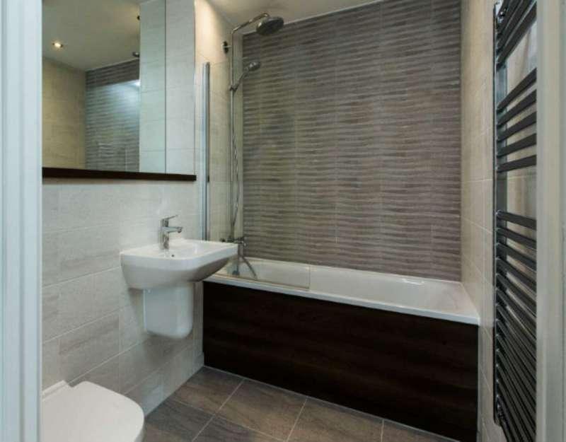 3 Bedrooms Apartment Flat for sale in Regent Road, Salford