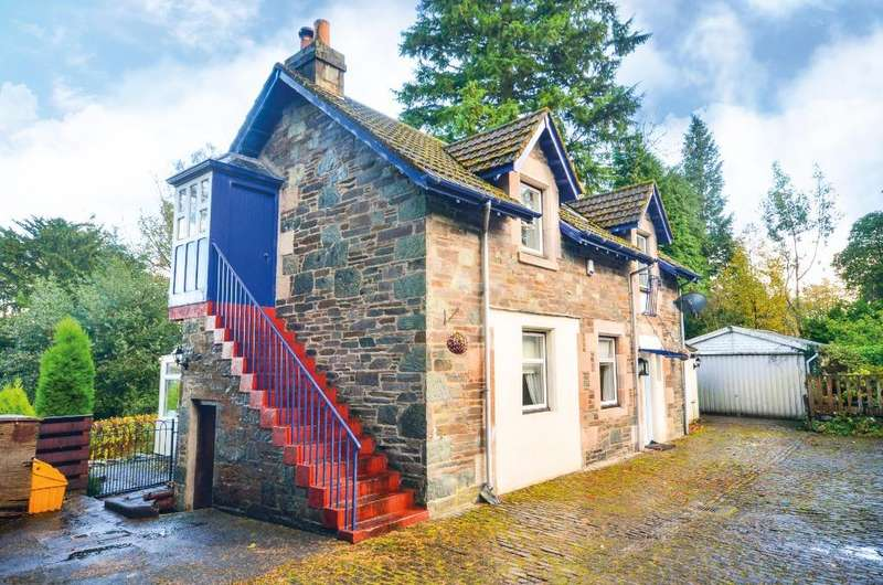 3 Bedrooms Detached Villa House for sale in Rosneath Road, Rosneath, Argyll and Bute, G84 0PX