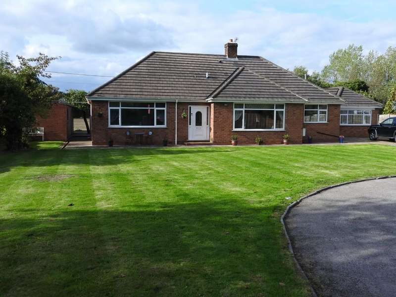 6 Bedrooms Detached Bungalow for sale in Whatcroft Hall Lane, Davenham, Northwich
