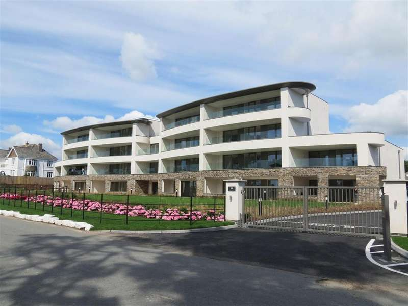 2 Bedrooms Apartment Flat for sale in Sea Road, Carlyon Bay, St. Austell