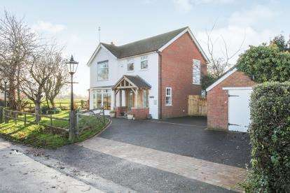 5 Bedrooms Detached House for sale in Monks Lane, Hankelow, Crewe, Cheshire