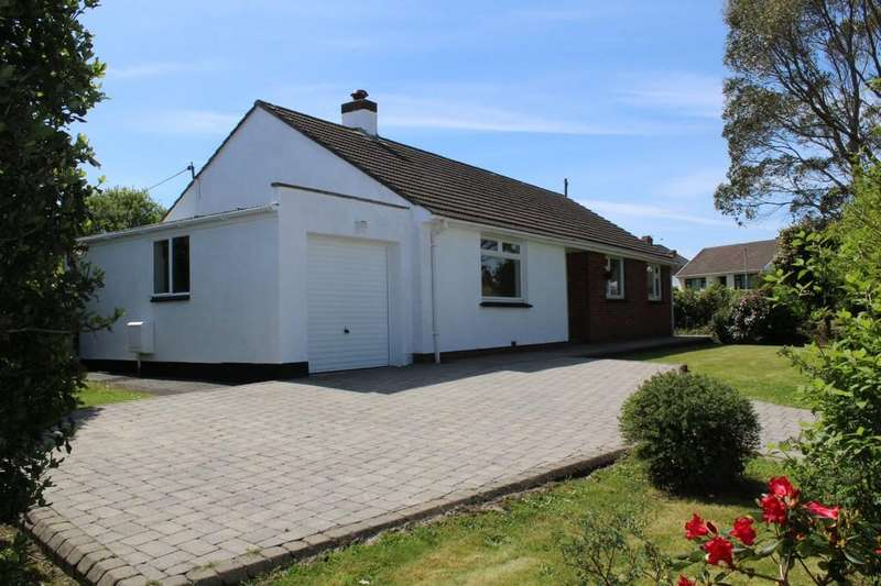 3 Bedrooms Detached Bungalow for sale in Hawthorn Rise, Haverfordwest, Pembrokeshire