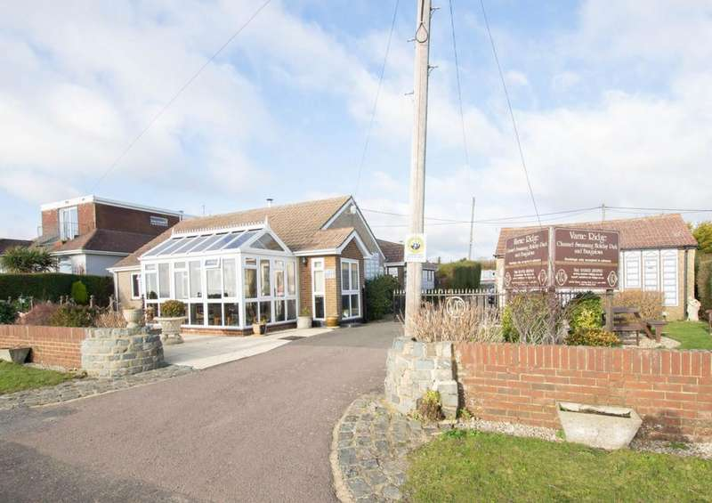 3 Bedrooms Detached House for sale in Old Dover Road, Capel-Le-Ferne, CT18