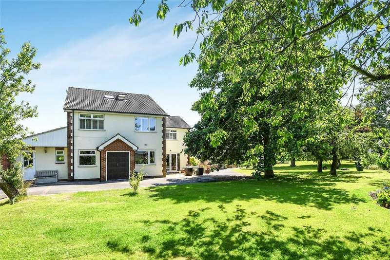 4 Bedrooms Detached House for sale in Station Road, North Kelsey Moor, LN7