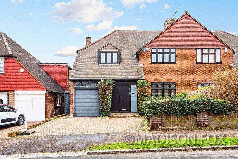4 Bedrooms Semi Detached House for sale in Coolgardie Avenue, Chigwell