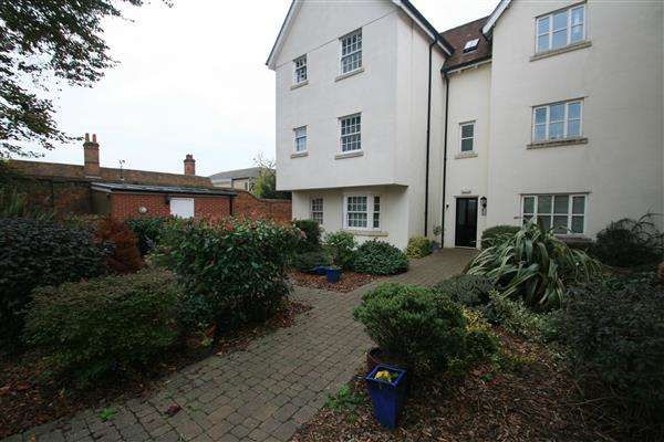 2 Bedrooms Apartment Flat for rent in Mortimer Court, Off Culver Street West, Colchester