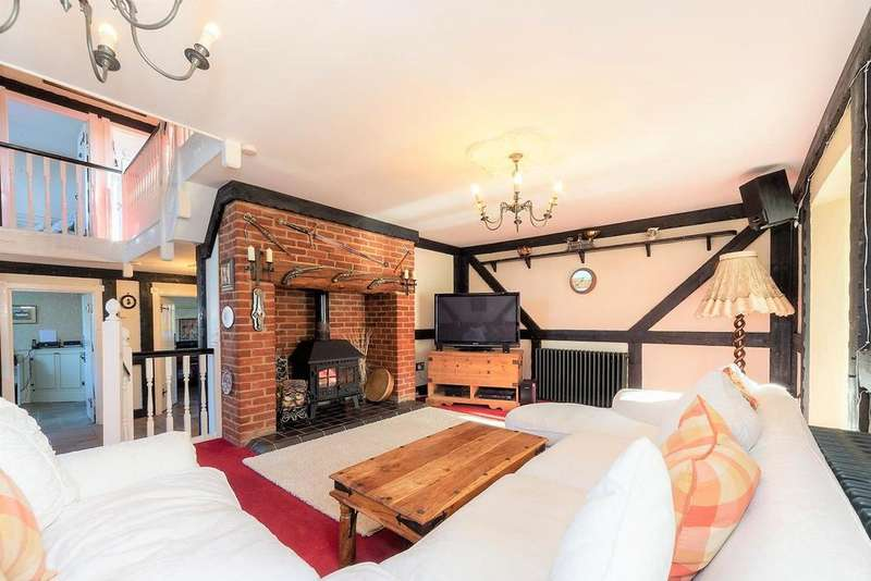 4 Bedrooms Detached House for sale in Luton Road, Chalton