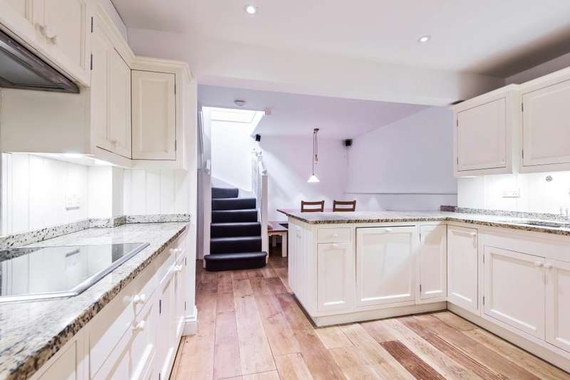 3 Bedrooms House for sale in Back Lane, Hampstead, NW3