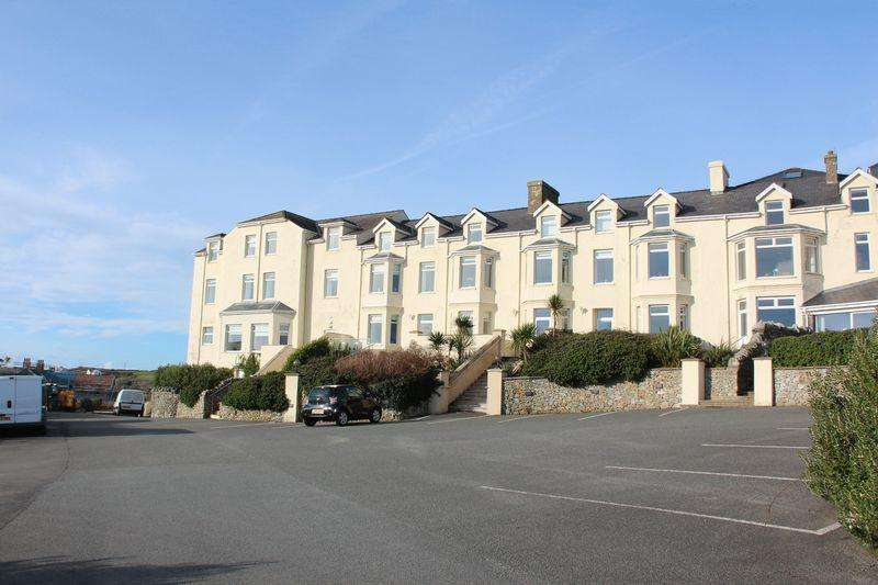 3 Bedrooms Apartment Flat for sale in Lon Y Don, Trearddur Bay